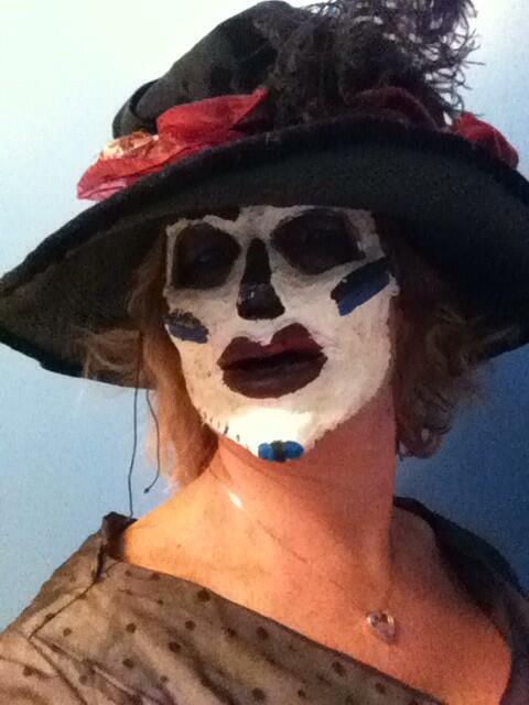 Feliz Dia de Los Muertos! Happy Fifth--no SIXTH?-- Bloggoversary!  (1/2)